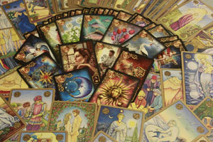 how do online tarot readings work